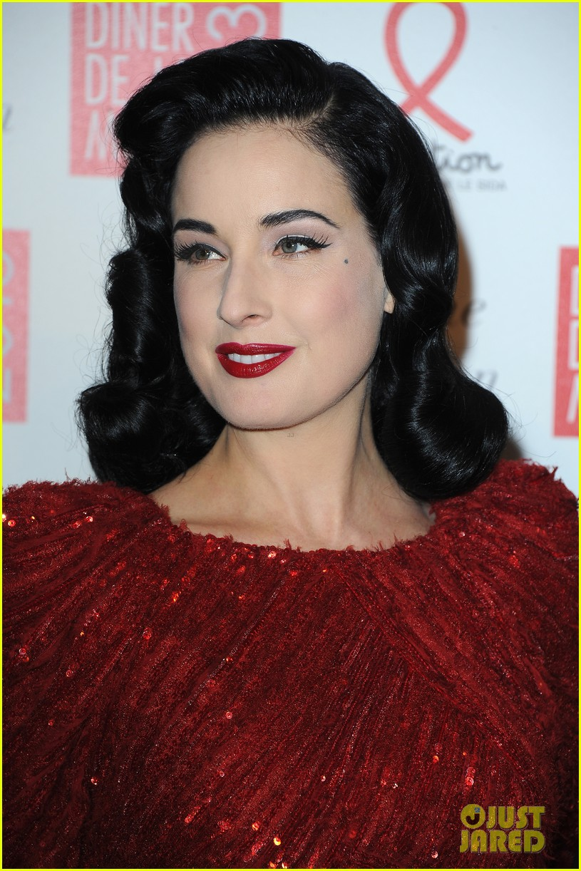 dita von teese hilary swank sidaction gala dinner 04