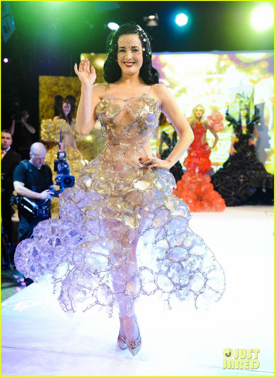 dita von teese lambertz monday night 01