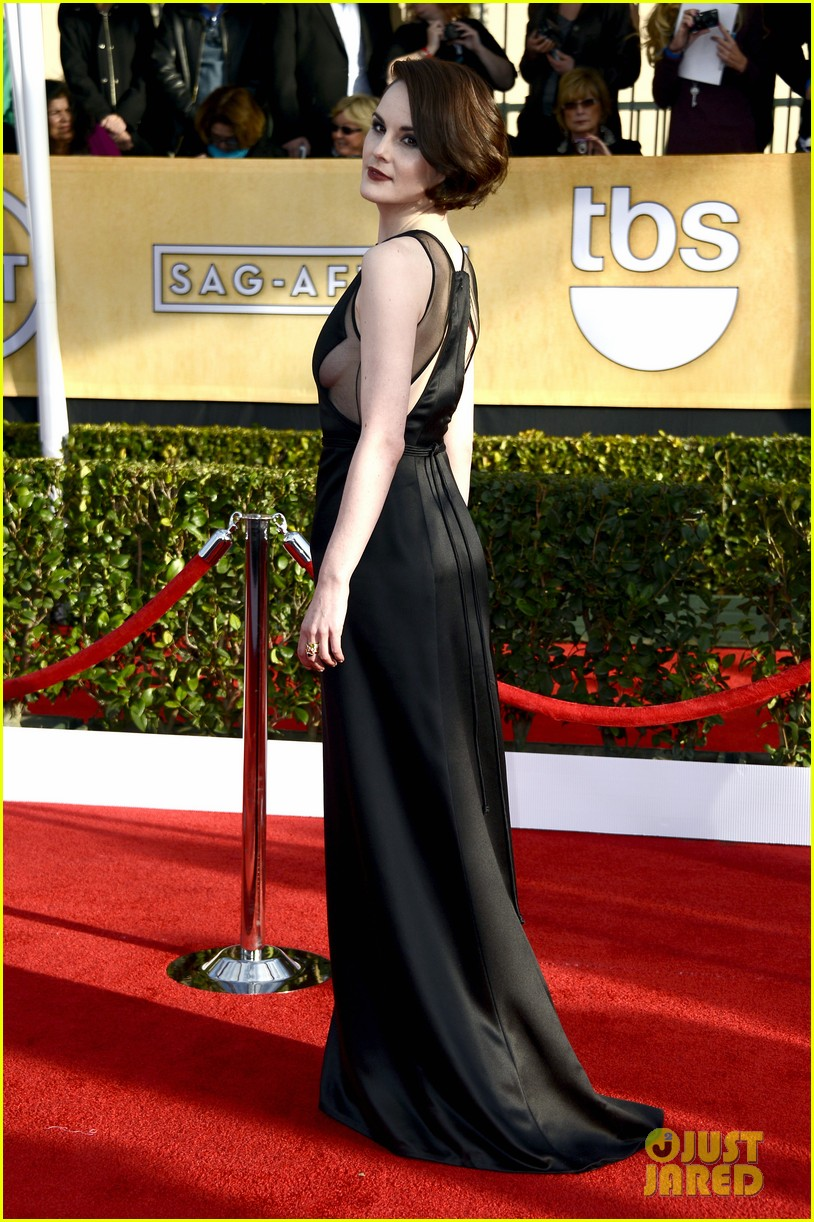michelle dockery sag awards 2013 red carpet 02