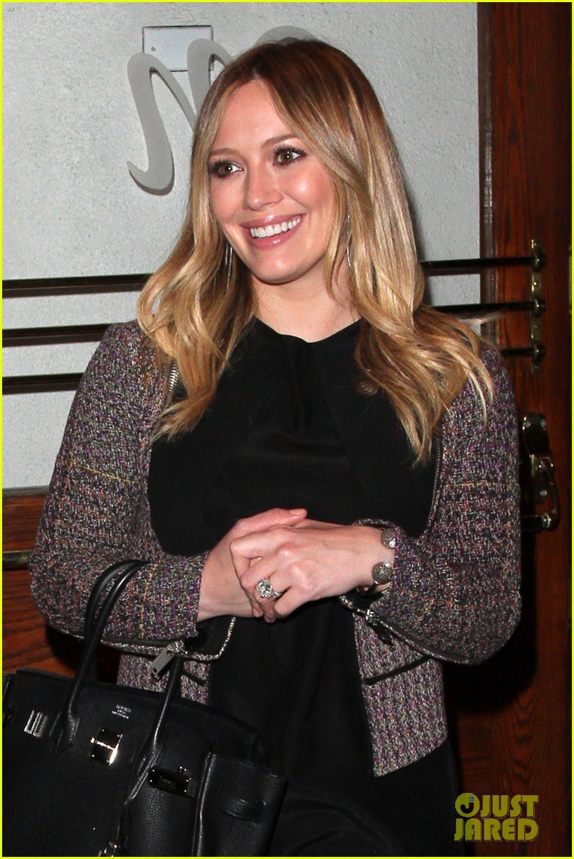 hilary duff mike comrie madeo dinner couple 022799519