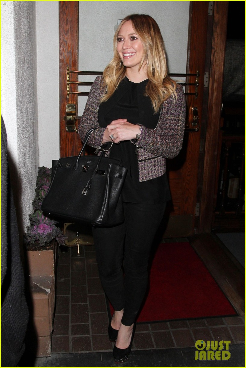hilary duff mike comrie madeo dinner couple 06