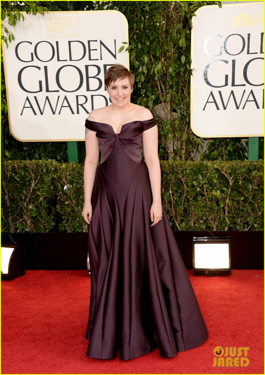 lena dunham girls wins best comedy series at golden globes 2013 01