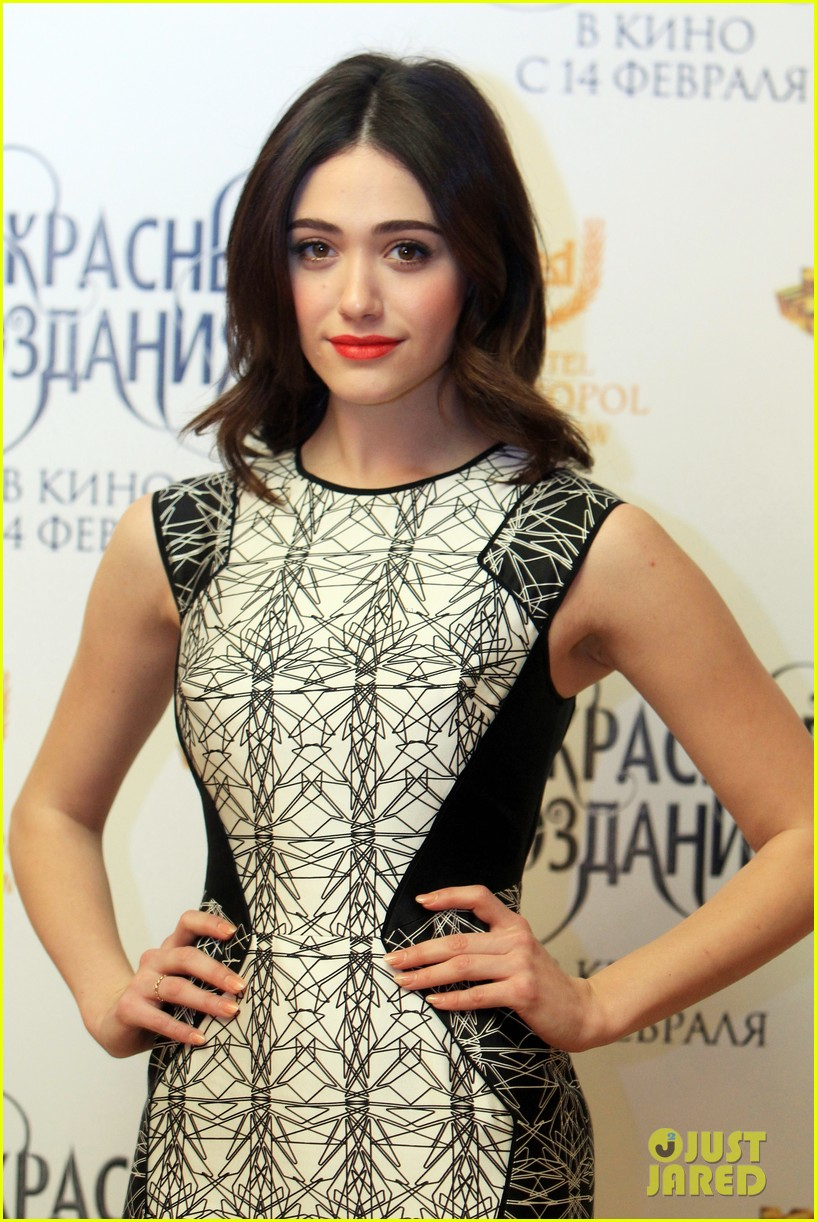 emmy rossum beautiful creatures moscow premiere with alden ehrenreich 04
