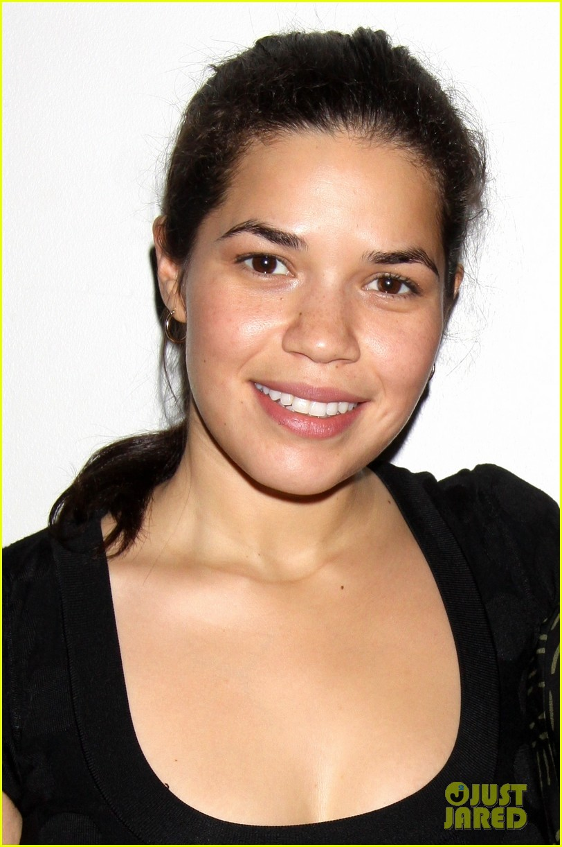 america ferrera amber tamblyn bethany after premiere party 02