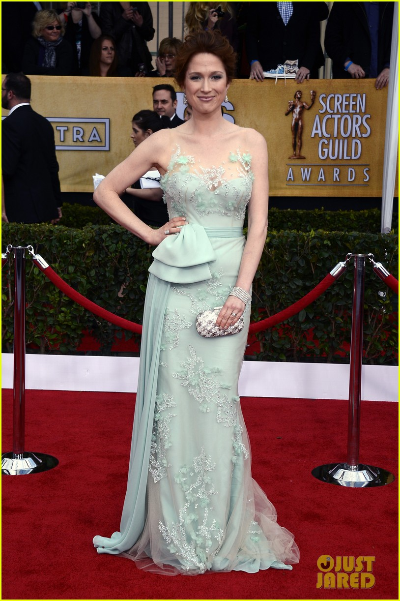 jenna fischer ellie kemper sag awards 2013 red carpet 01