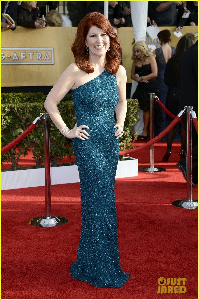 jenna fischer ellie kemper sag awards 2013 red carpet 03