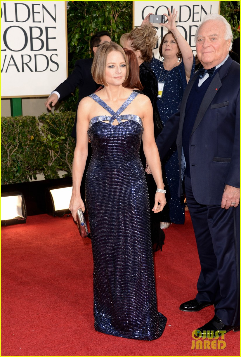 jodie foster golden globes 2013 red carpet 05