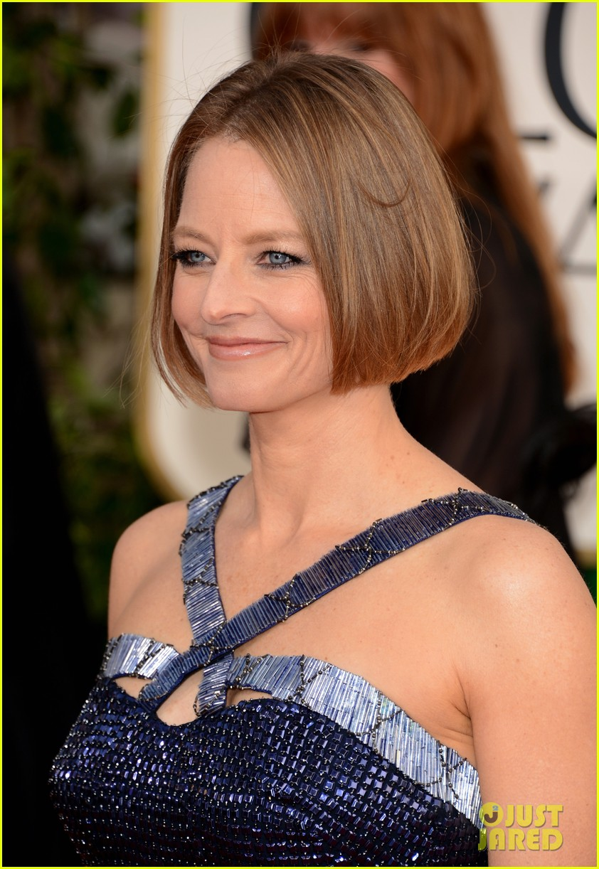 jodie foster golden globes 2013 red carpet 07