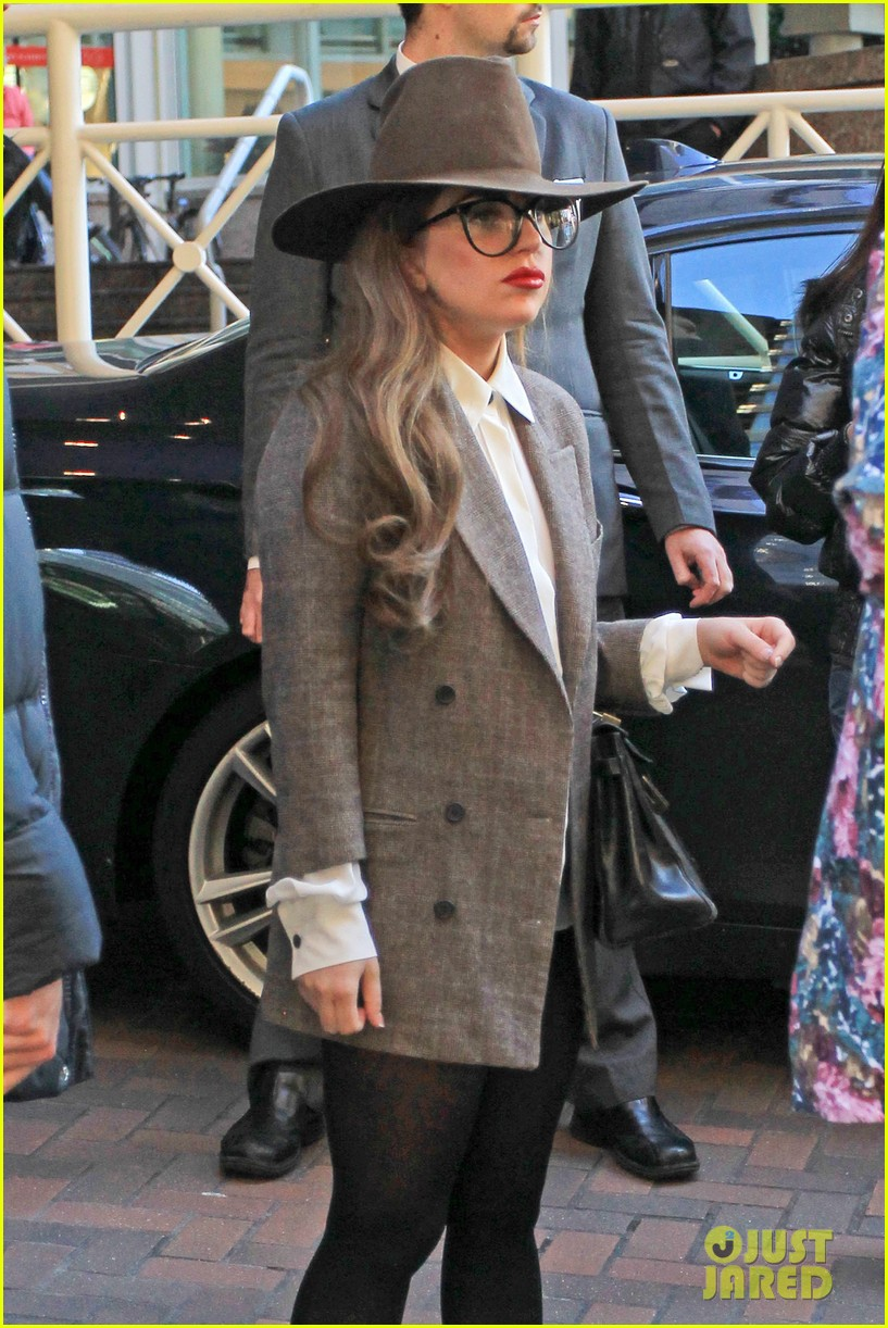 lady gaga steps out after kelly osbourne feud 18
