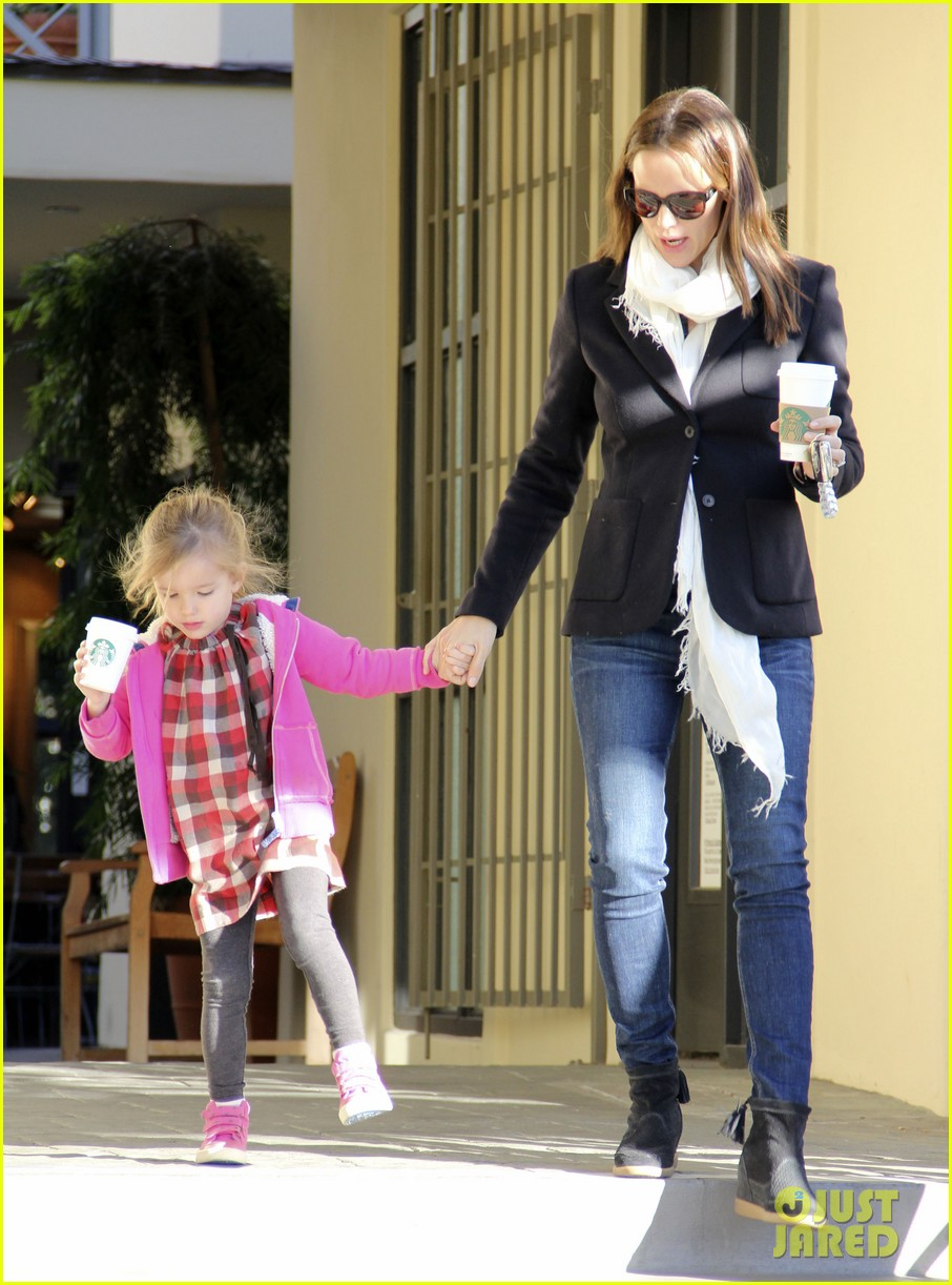 jennifer garner ballet coffee with seraphina 06