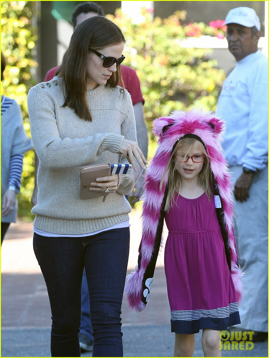 jennifer garner ben affleck weekend outings with the girls 032796341