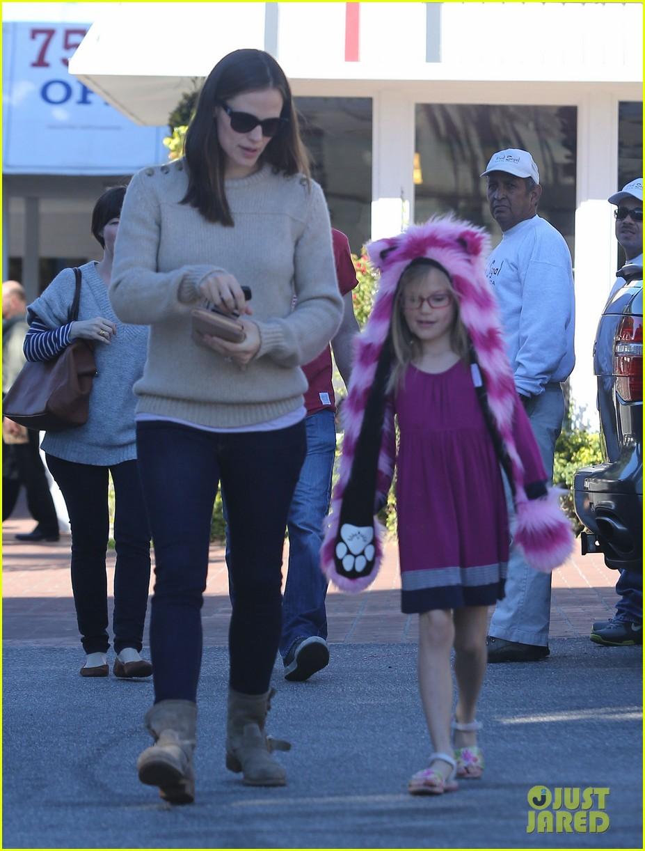 jennifer garner ben affleck weekend outings with the girls 17