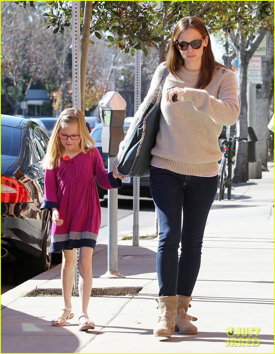 jennifer garner ben affleck weekend outings with the girls 20