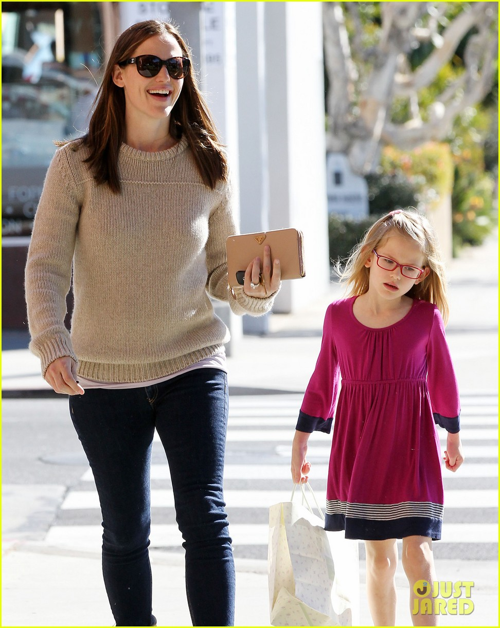 jennifer garner ben affleck weekend outings with the girls 22