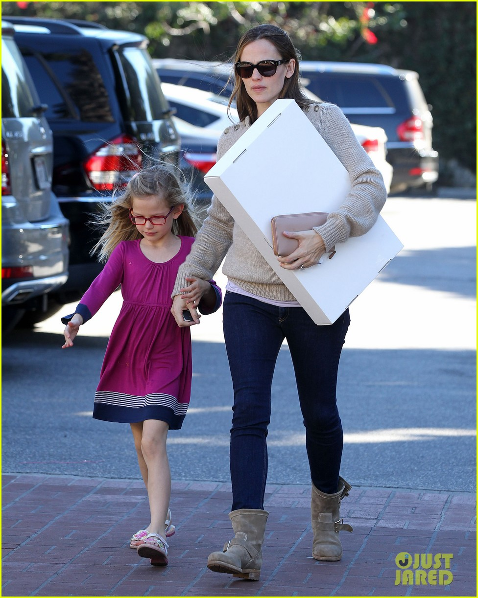 jennifer garner ben affleck weekend outings with the girls 23