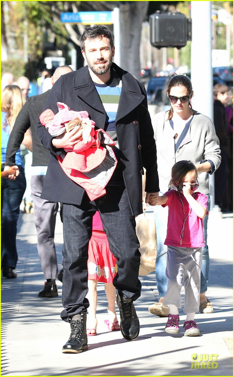 jennifer garner & ben affleck ice skating with the girls 372784857