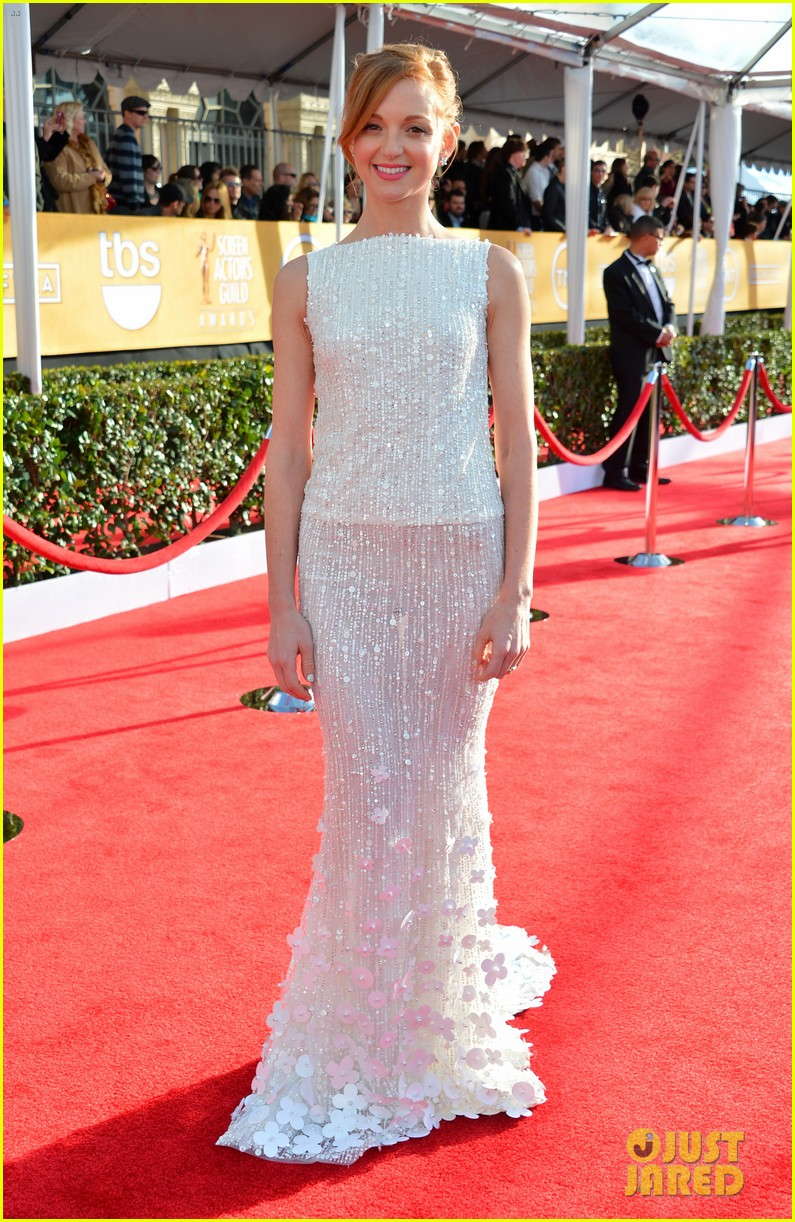 naya rivera jayma mays sag awards carpet 08