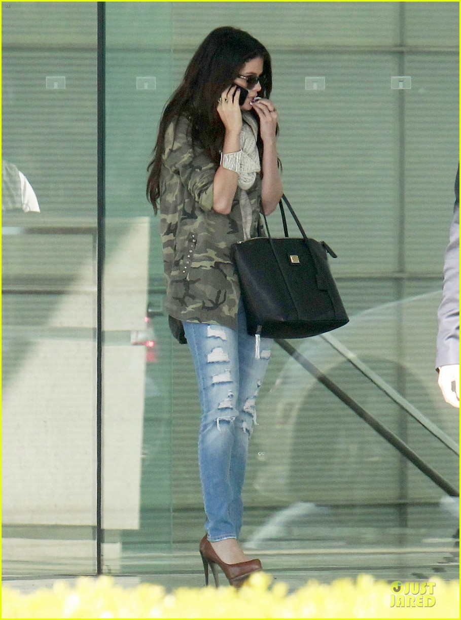 selena gomez office day with vanessa hudgens 062787353