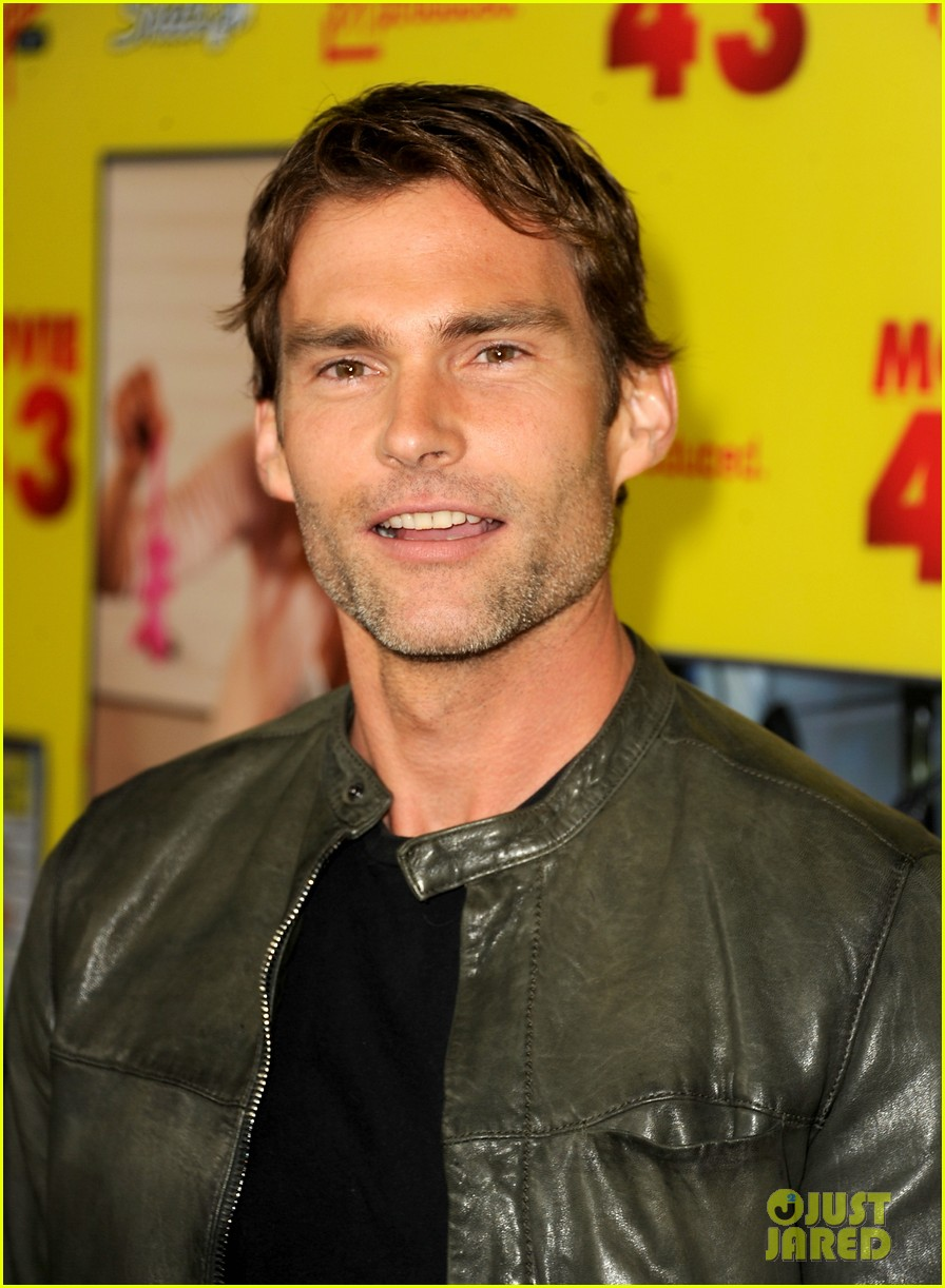 chelsea handler seann william scott movie 43 premiere 10