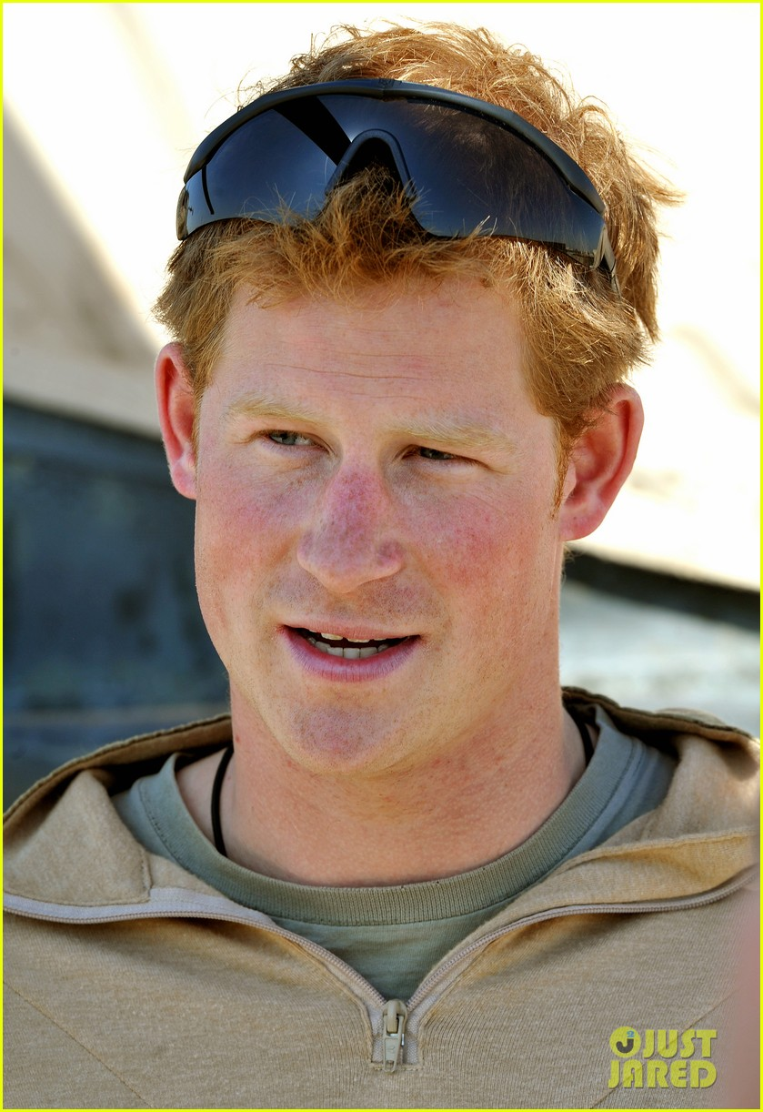 prince harry talks nude photos kate middletons pregnancy 082796268