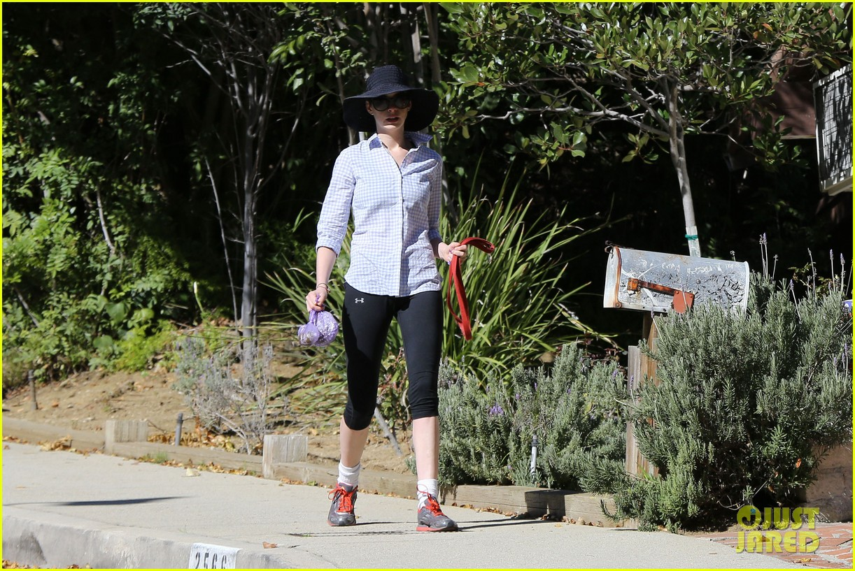 anne hathaway saturday stroll with esmeralda 122790920