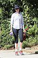 anne hathaway saturday stroll with esmeralda 01