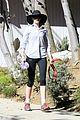 anne hathaway saturday stroll with esmeralda 09