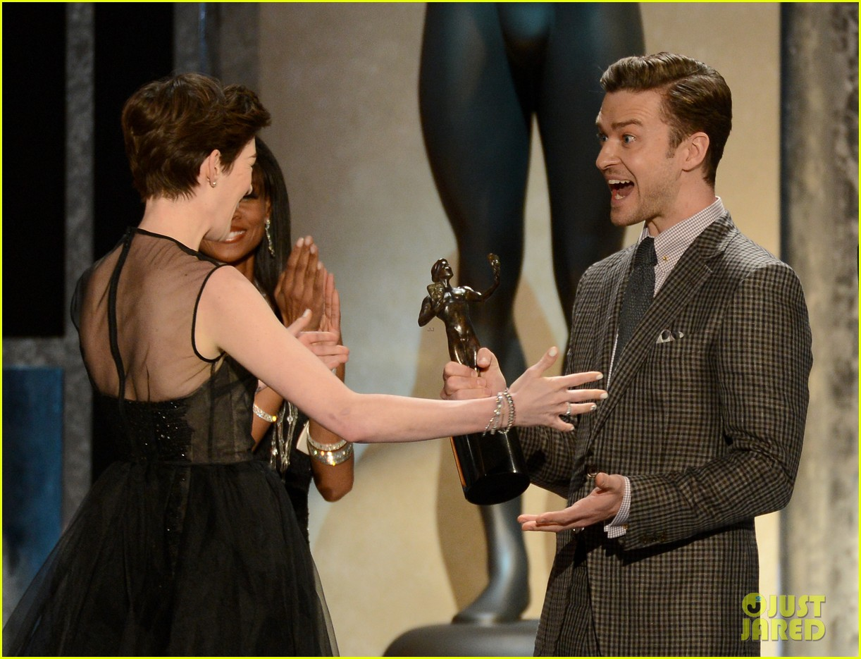 anne hathaway sag awards winner 07