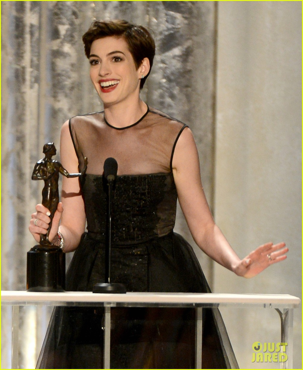 anne hathaway sag awards winner 08