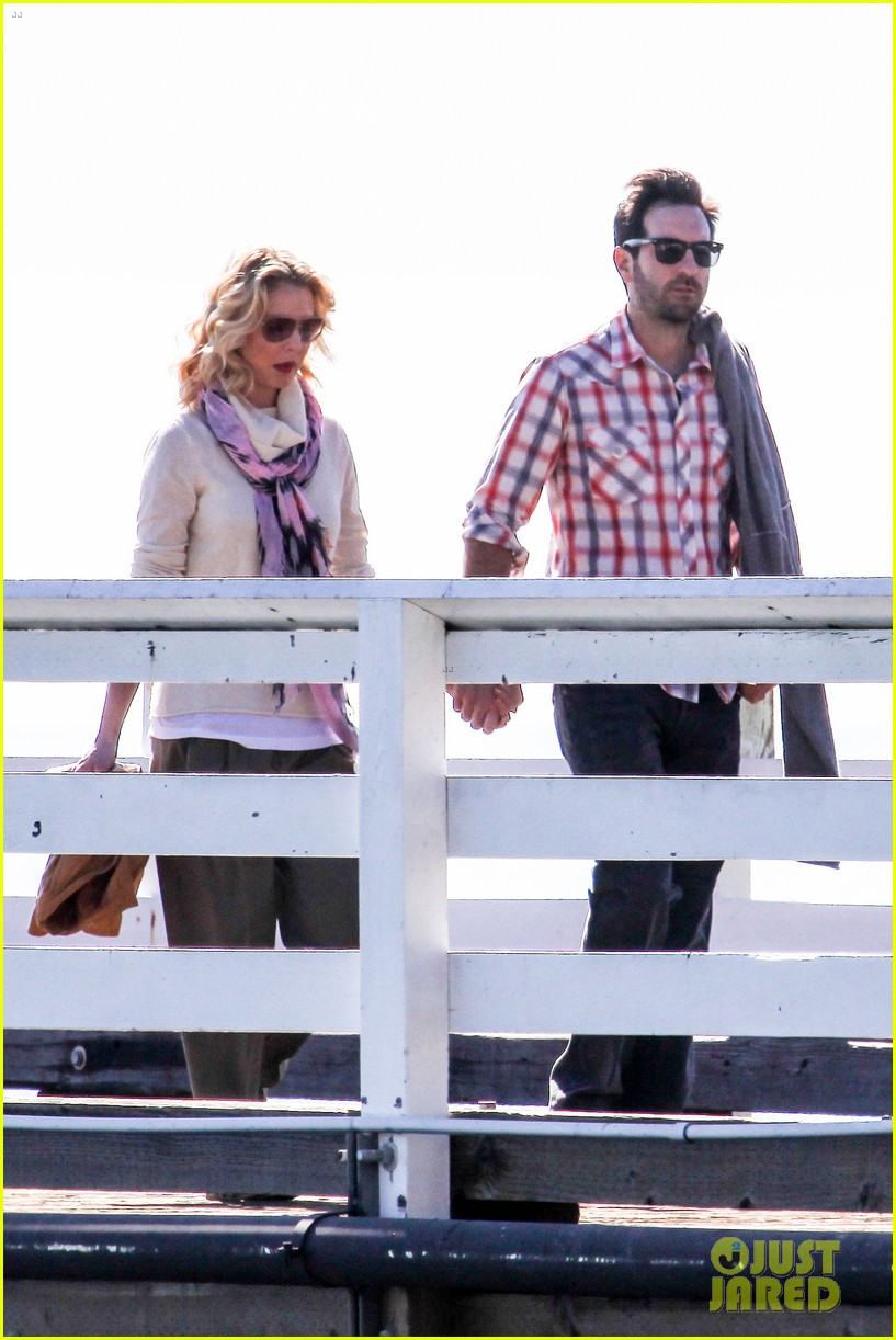 katherine heigl josh kelley holding hands malibu 21