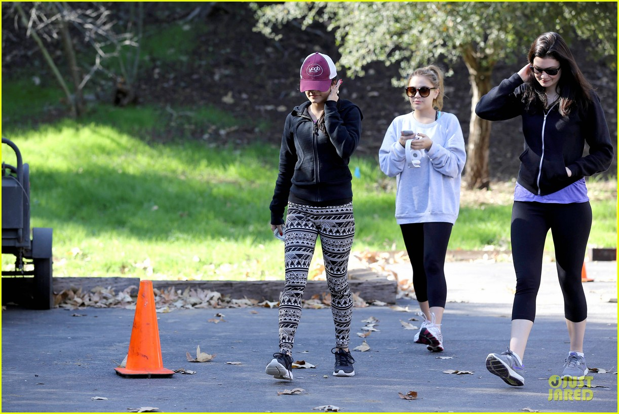 vanessa hudgens studio city hike with stella 09