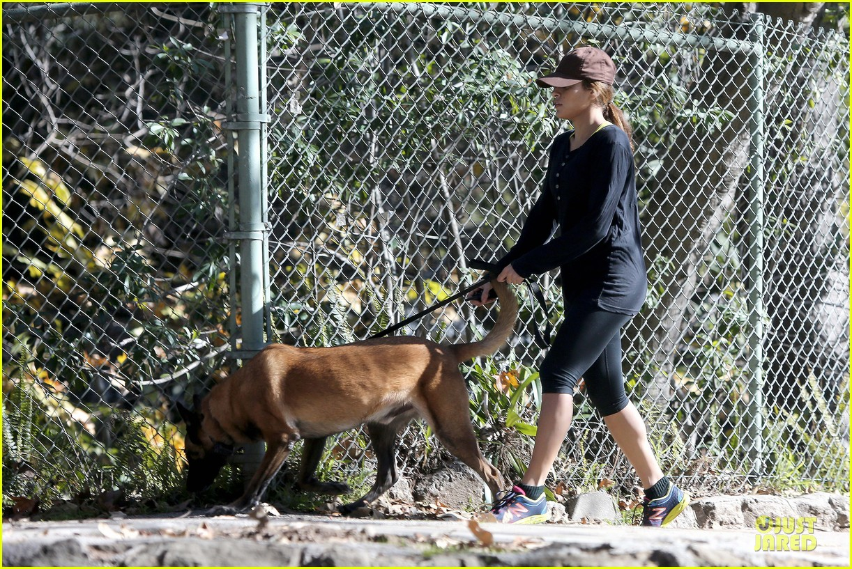 eva mendes new years eve hike 22