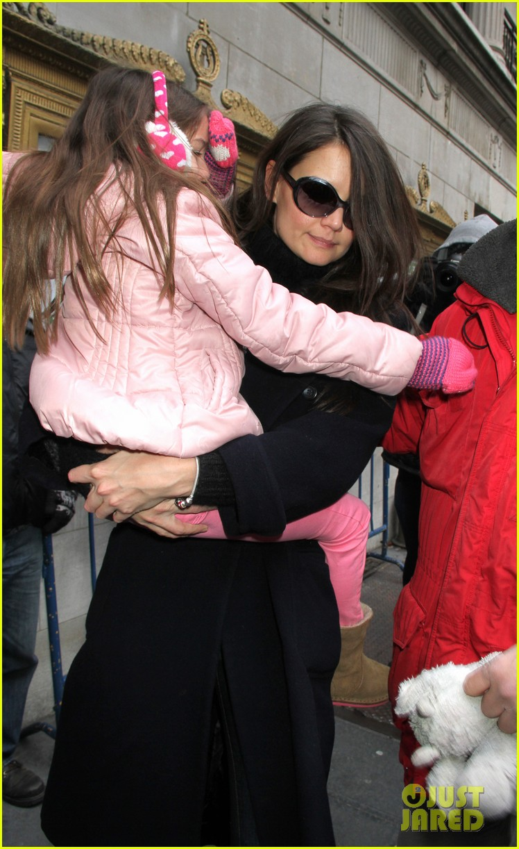 katie holmes dead accounts with suri 022783939