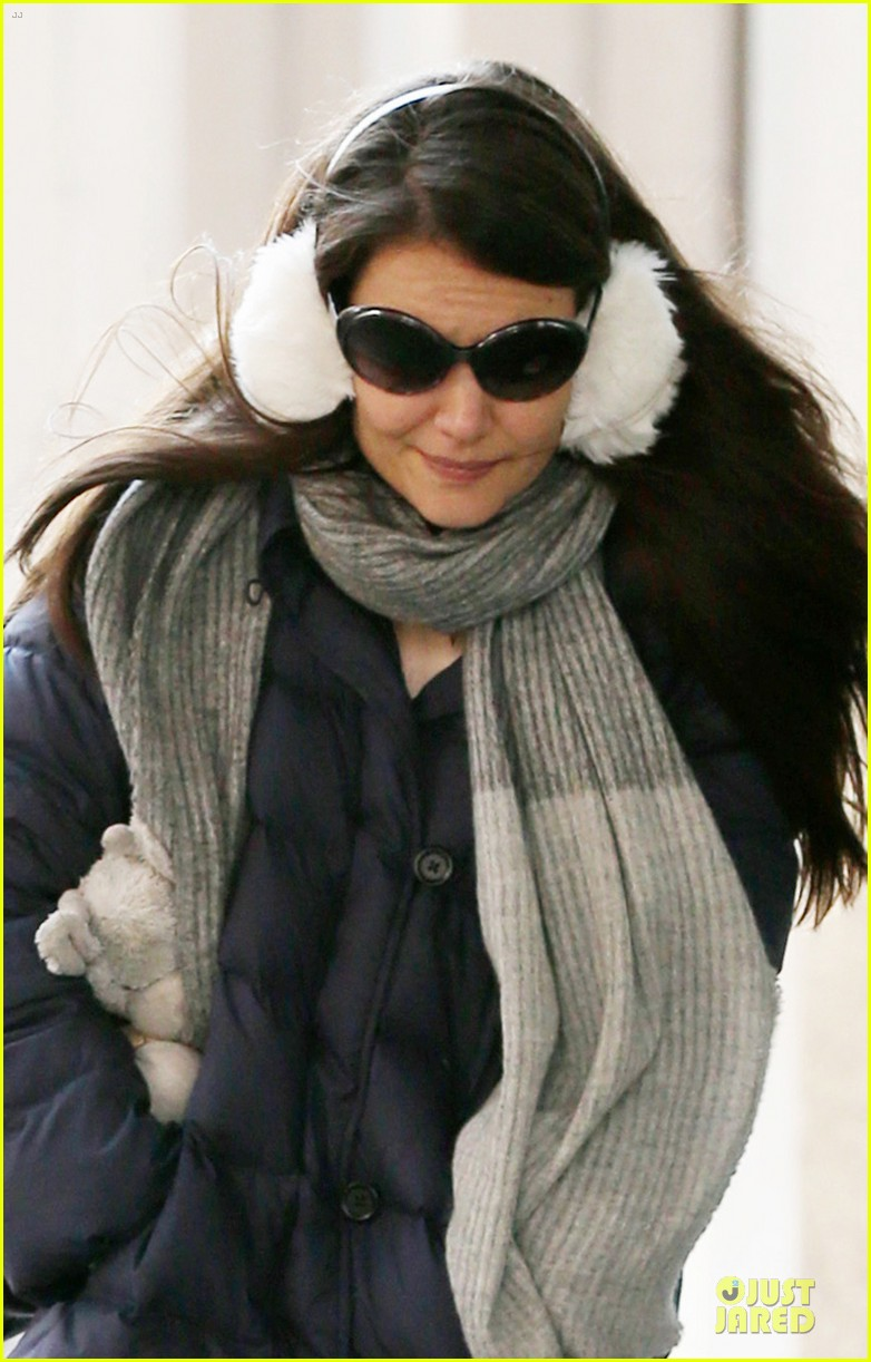 katie holmes & sui jacket matching duo 02
