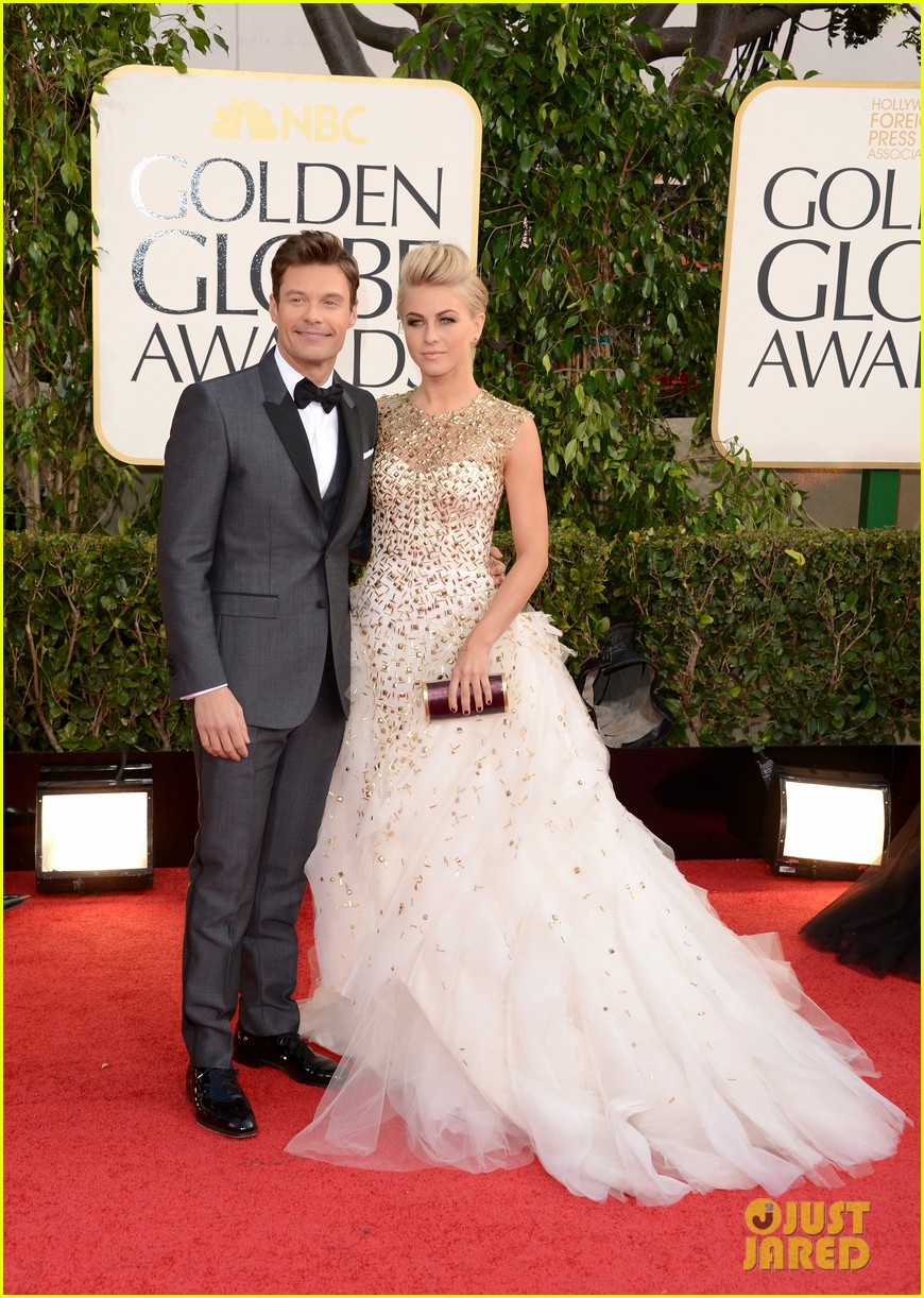 julianne hough ryan seacrest golden globes 2013 red carpet 05