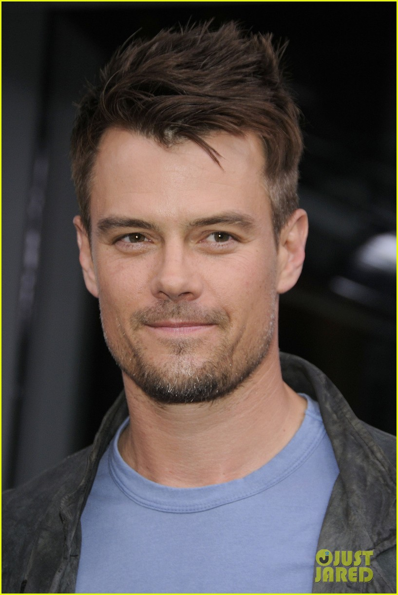 josh duhamel julianne hough safe haven toronto premiere 25