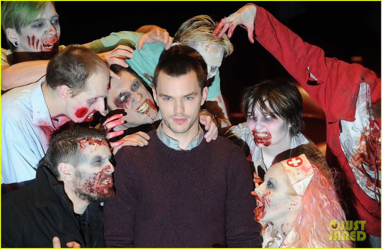 teresa palmer nicholas hoult warm bodies london photo call 062794321
