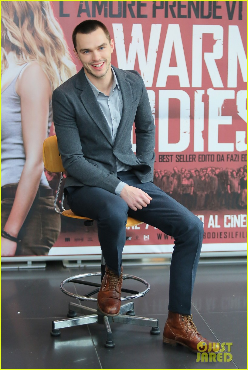 nicholas hoult warm bodies rome photo call 042793350