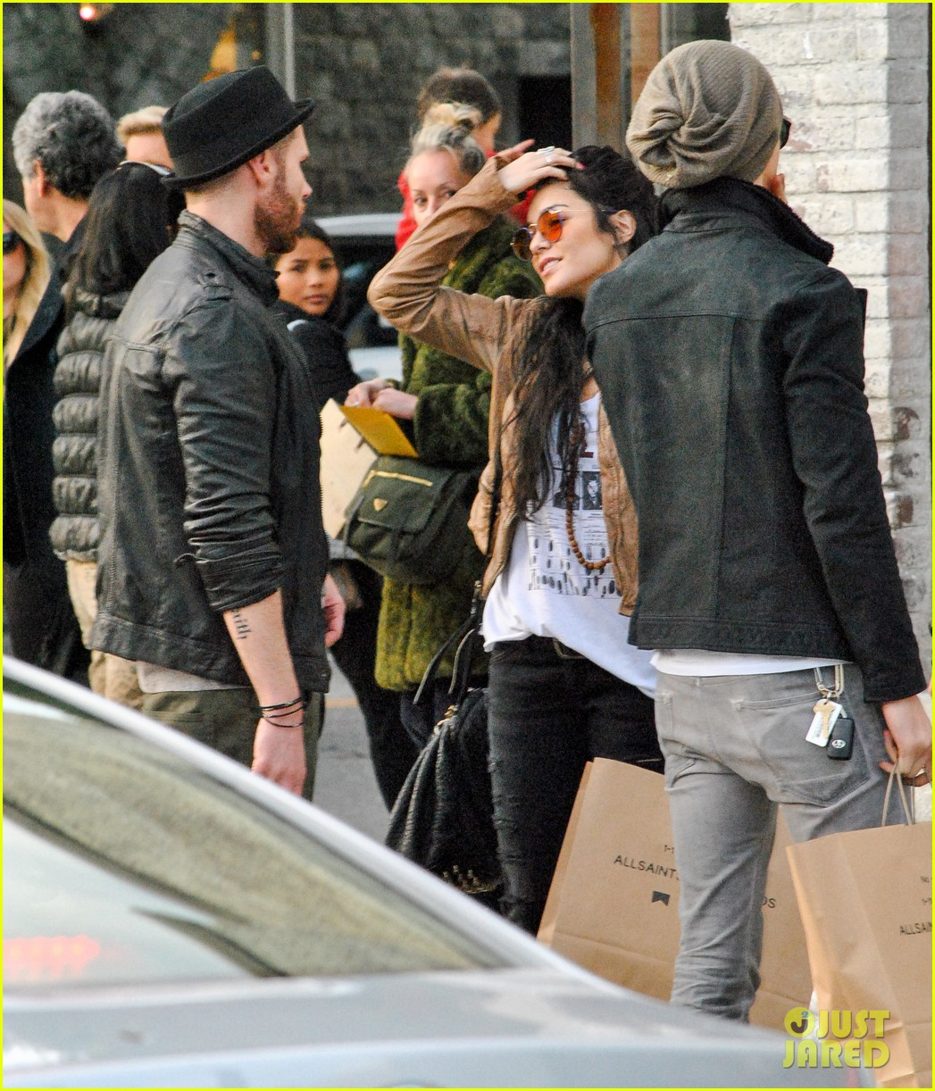 vanessa hudgens austin butler allsaints shopping spree 09