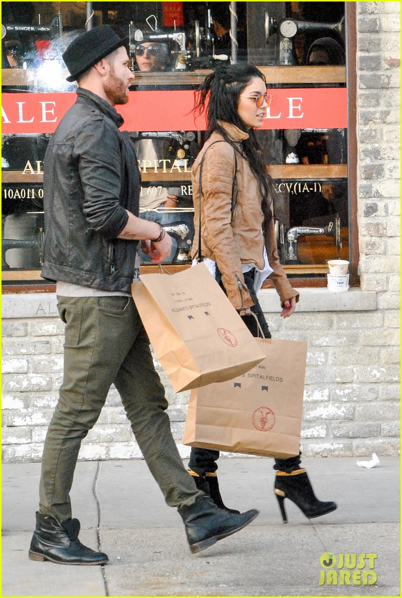 vanessa hudgens austin butler allsaints shopping spree 10