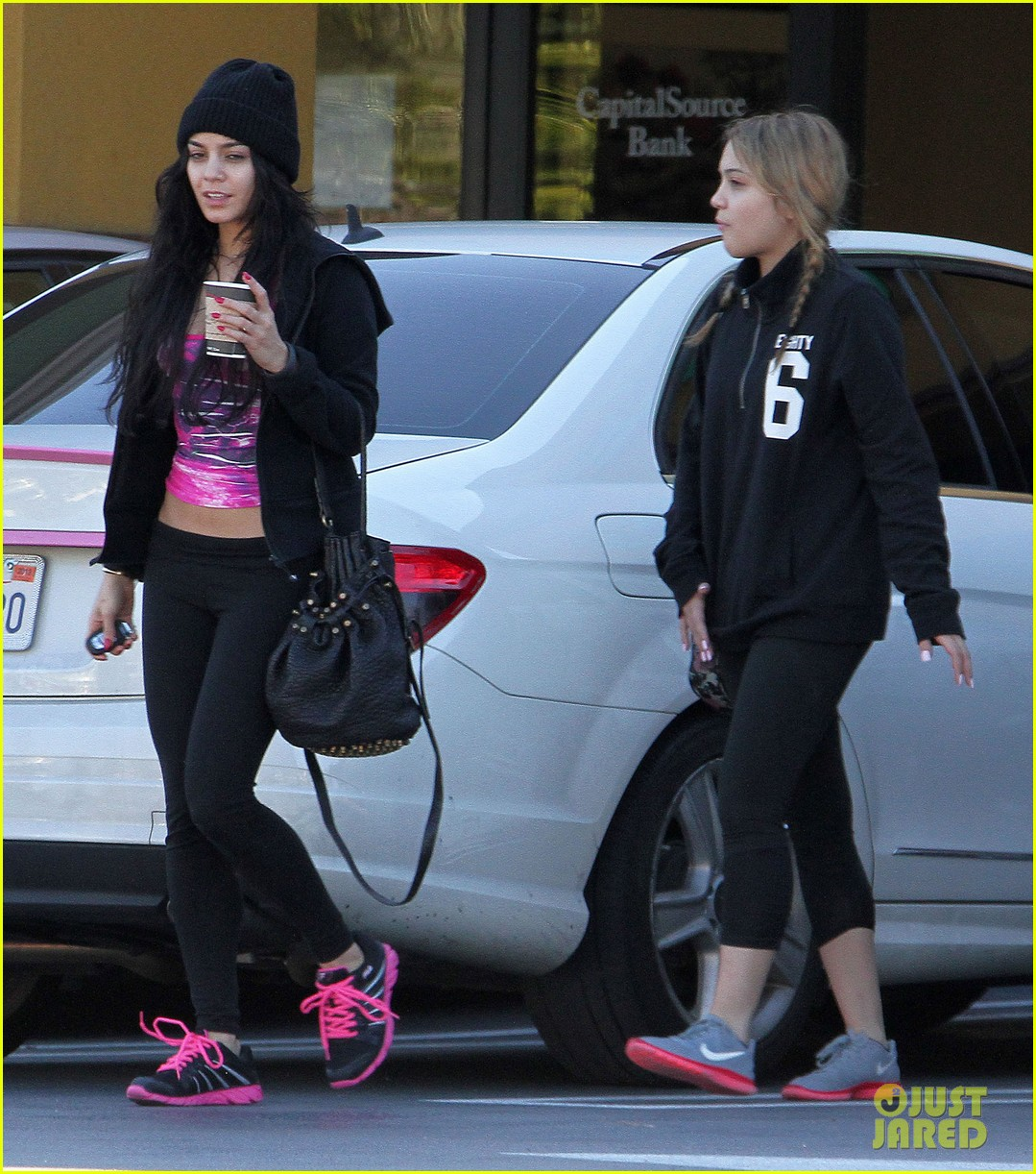 vanessa hudgens nail salon stop with stella 052784534