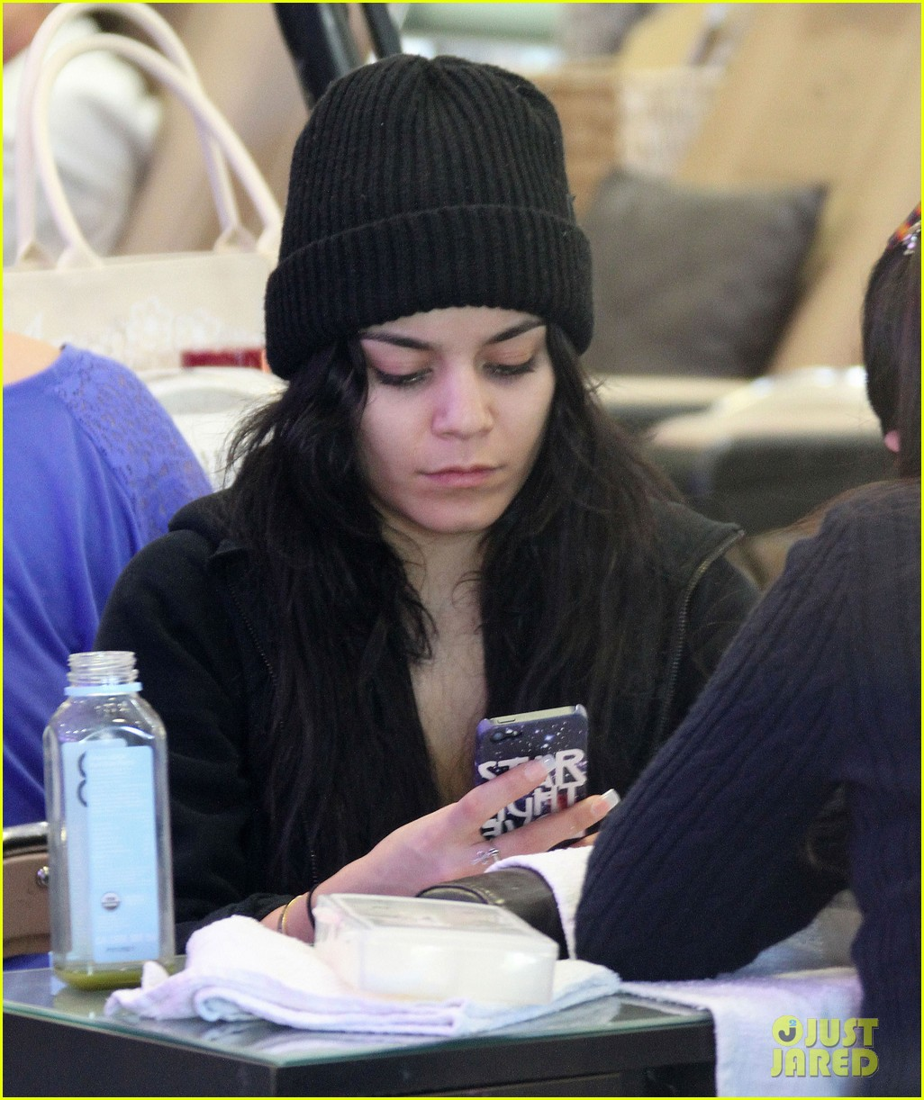vanessa hudgens nail salon stop with stella 07