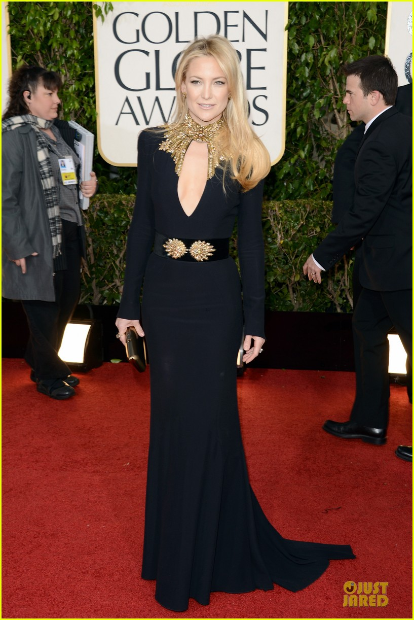 kate hudson golden globes 2013 red carpet 06