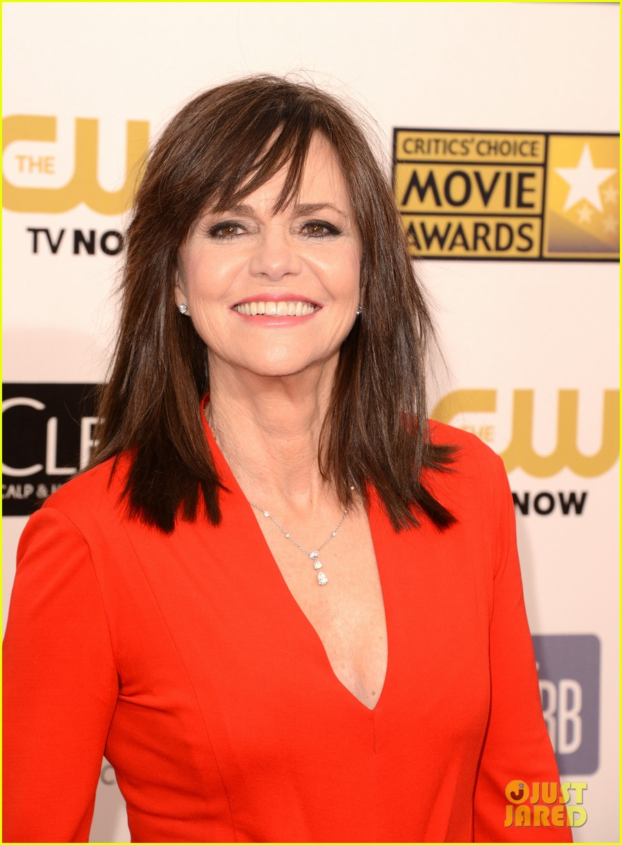helen hunt sally field critics choice awards 2013 132788860