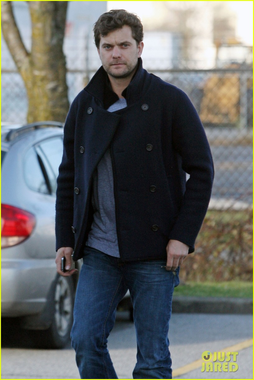 joshua jackson from vancouver to socal 142800629