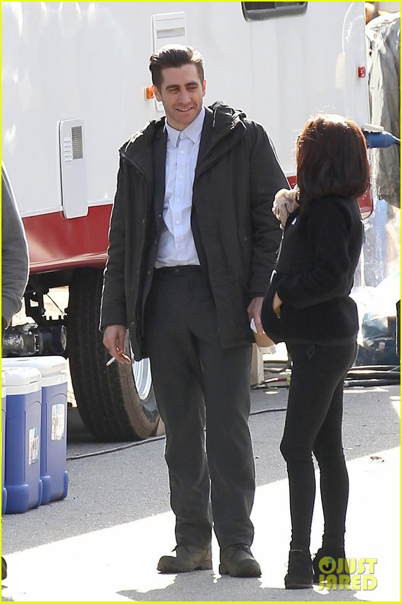 hugh jackman jake gyllenhaal prisoners first on set photos 03