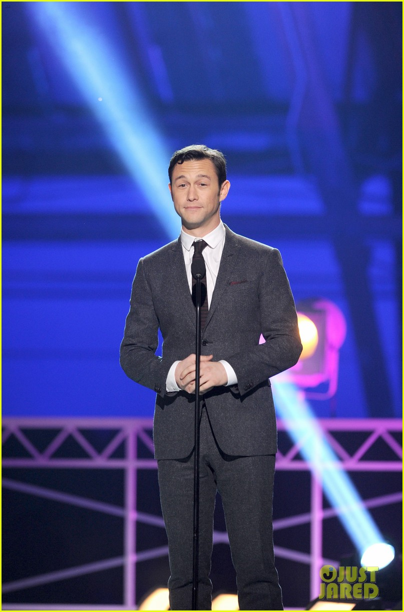 jgl bale critics choice awards 14