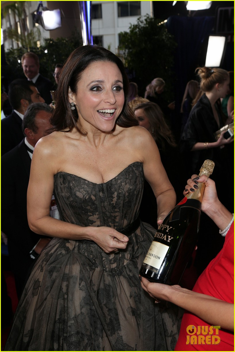 julia louis dreyfus golden globes 2013 red carpet 02