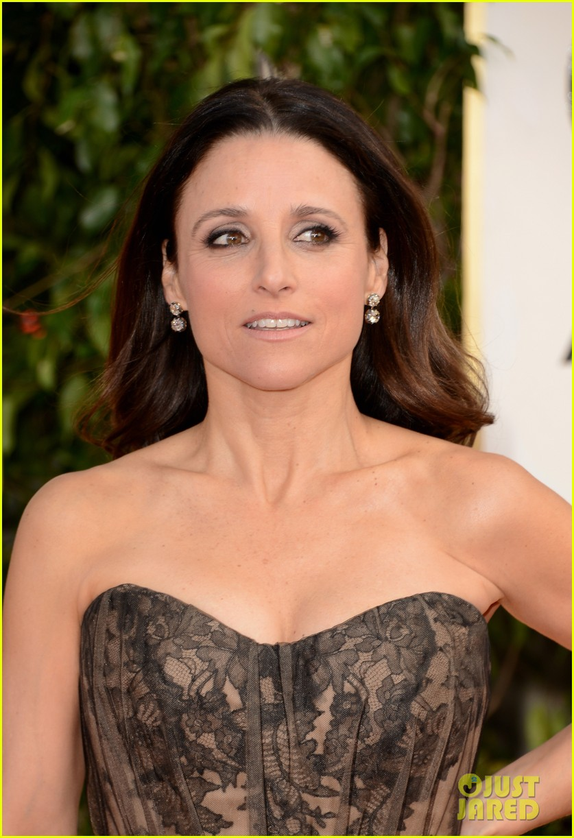 julia louis dreyfus golden globes 2013 red carpet 09