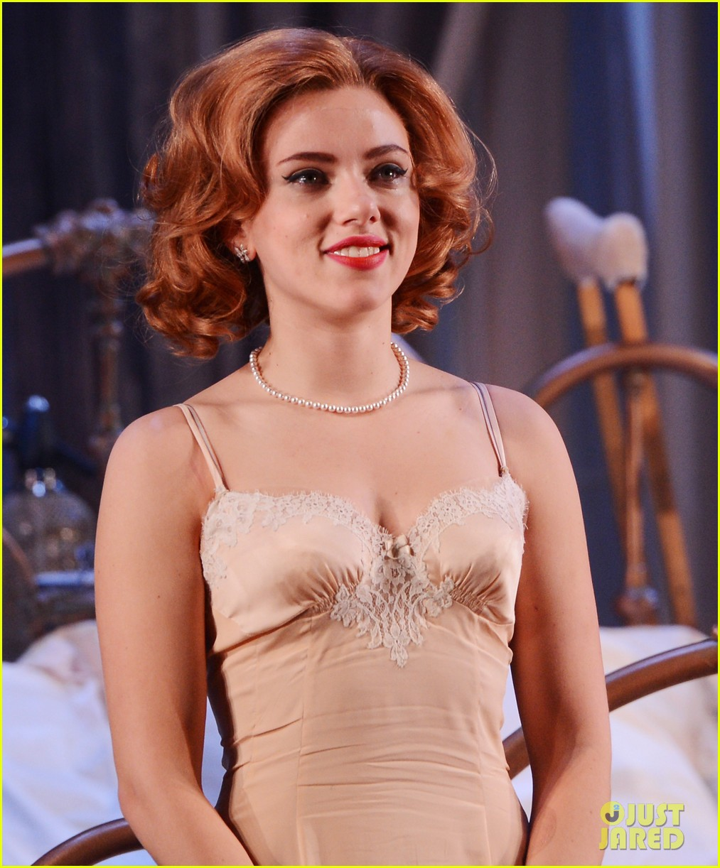 scarlett johansson cat on a hot tin roof opening party 10